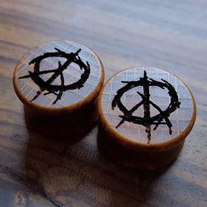 Peace Holzplugs aus eigener Herstellung